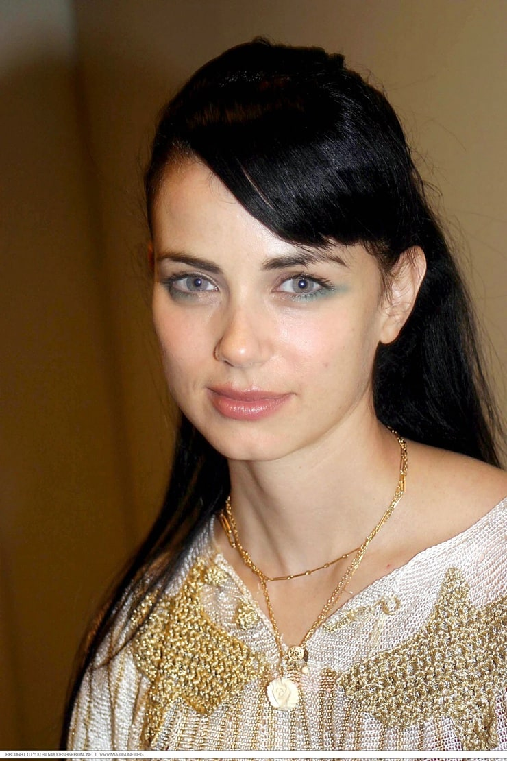 Mia Kirshner Nude Photos 57