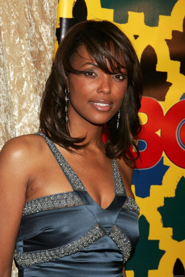 pictures-of-aisha-tyler-nipples
