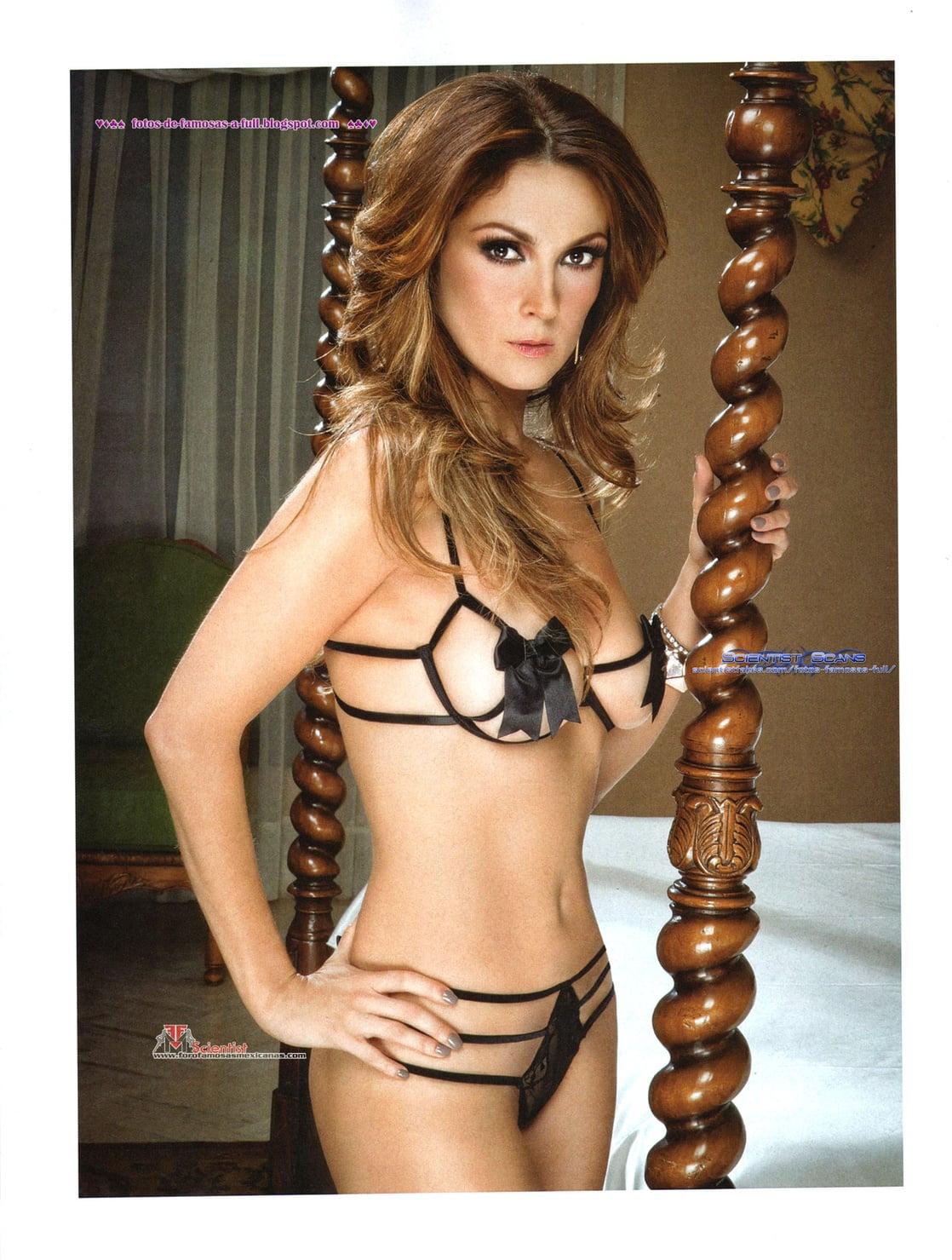Nora Salinas Nude Photos 8