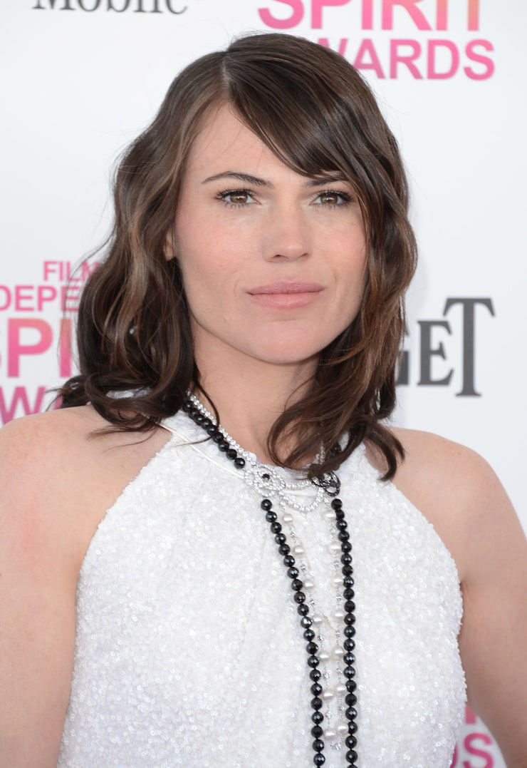 Clea Duvall Nude Photos 8