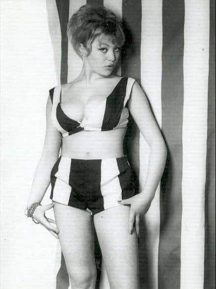 Sideboobs Hot Margaret Nolan  nude (41 pics), Instagram, in bikini