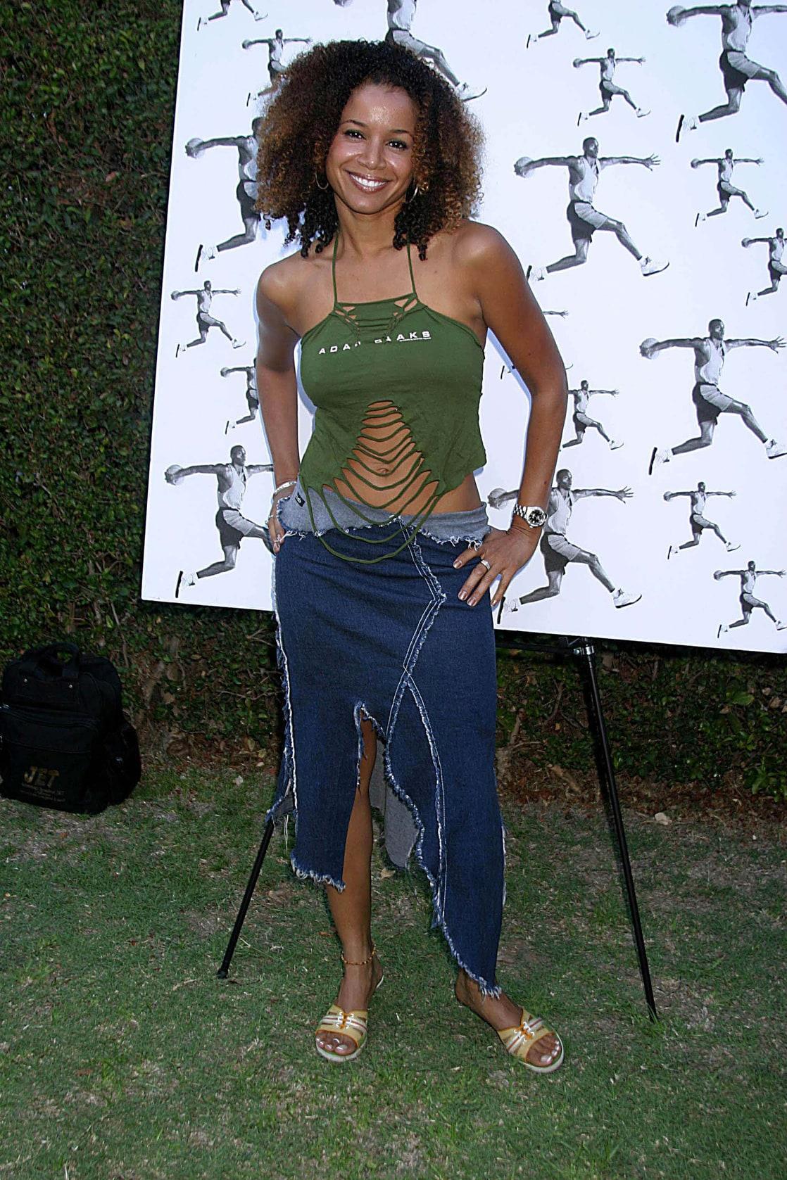 Liezel Lopez (b. 1997) images