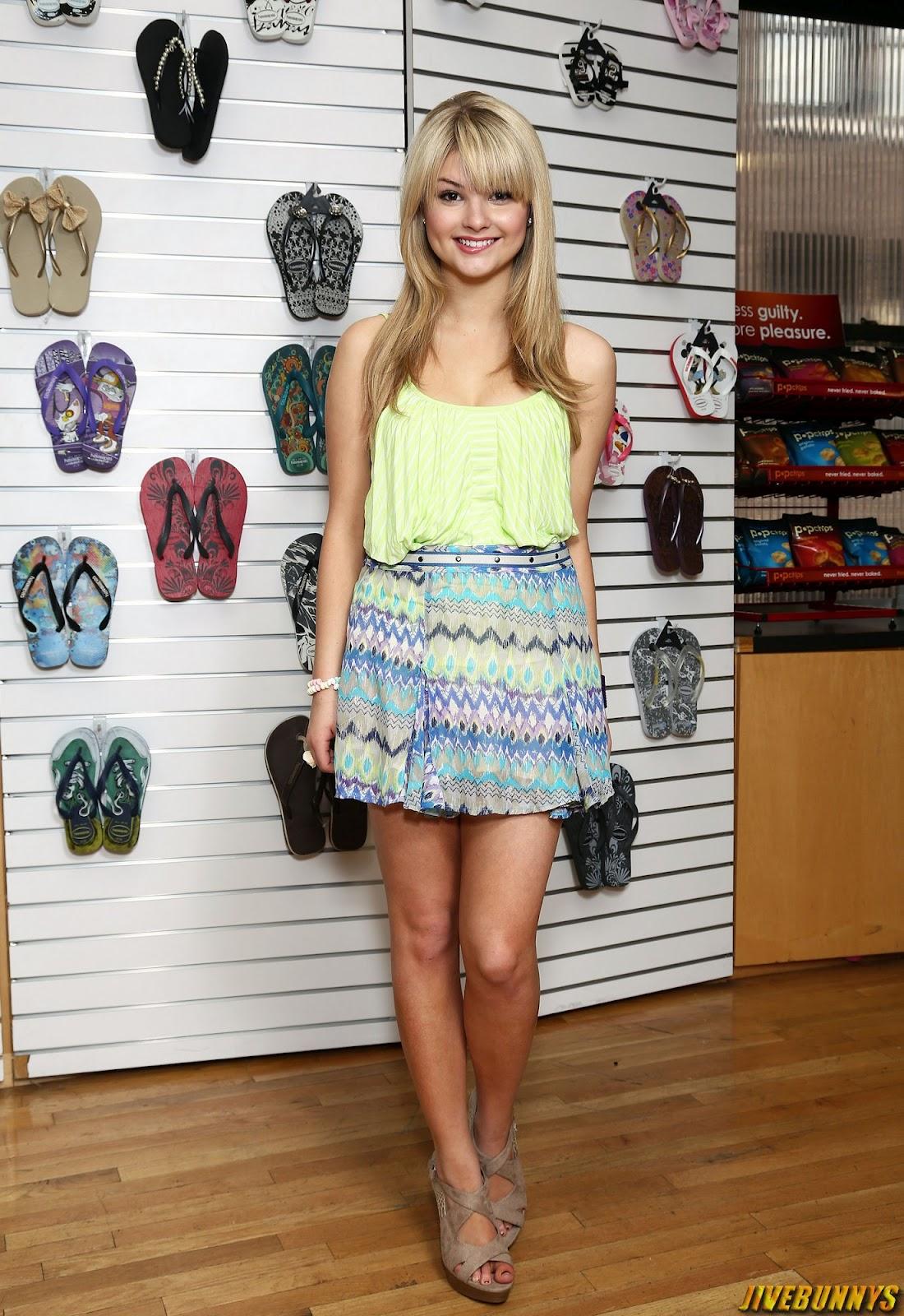 Picture of Stefanie Scott
