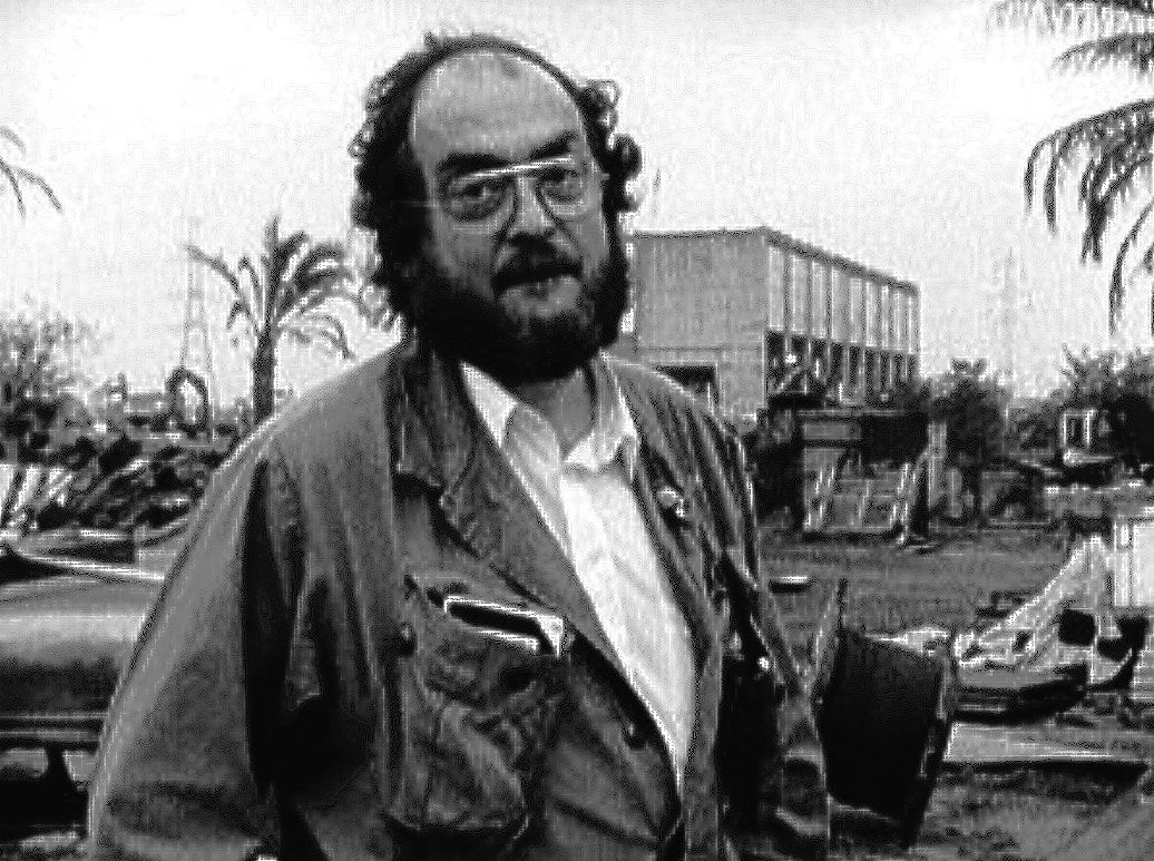 stanly kubrik Stanley kubrick was born in manhattan, new york city, to sadie gertrude ( perveler) and jacob leonard kubrick, a physician his family were jewish  immigrants.