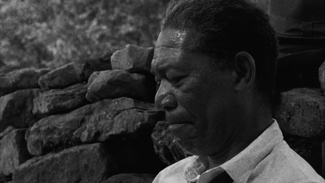 the shawshank redemption review The shawshank redemption (1994 movie): was the ending on the beach real, or was it meant to be in red's imagination what is the redemption in the movie, the shawshank redemption why does everyone love the movie shawshank redemption.