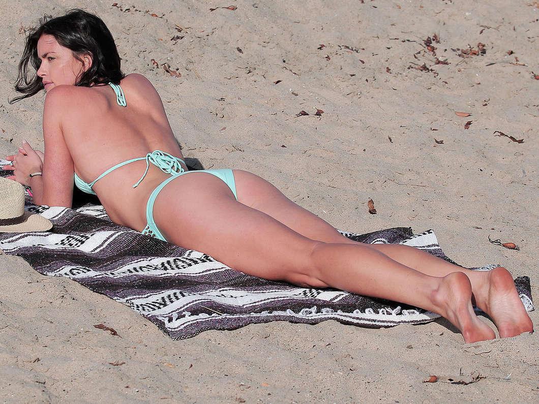 Can not courtney robertson bikini