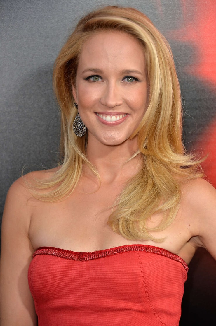 Anna Camp naked 181