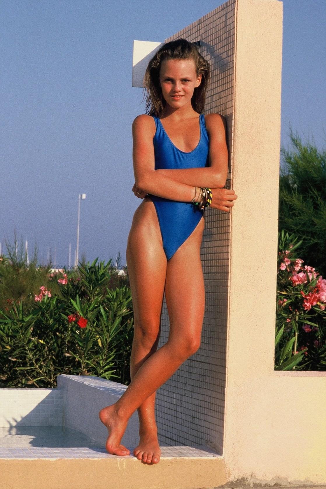 Bikini Vanessa Paradis naked (42 foto and video), Tits, Fappening, Twitter, underwear 2006