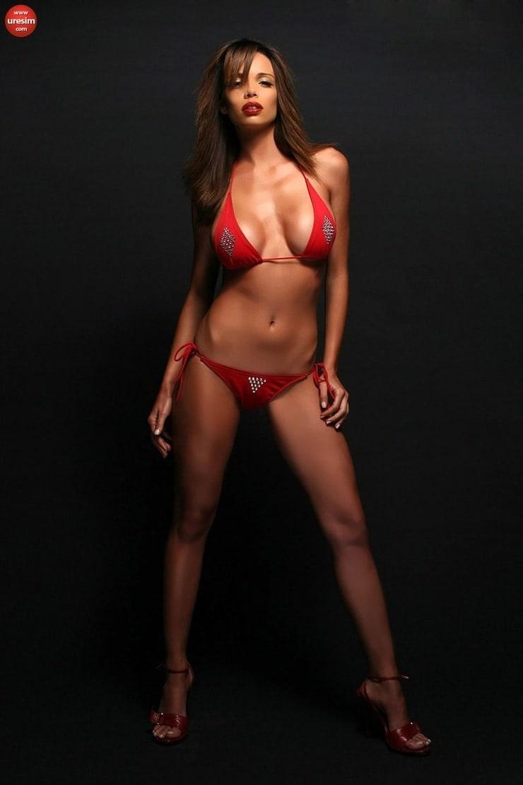 Alejandra Gutierrez Sexy Bikini Photo Wallpaper Wallpapers
