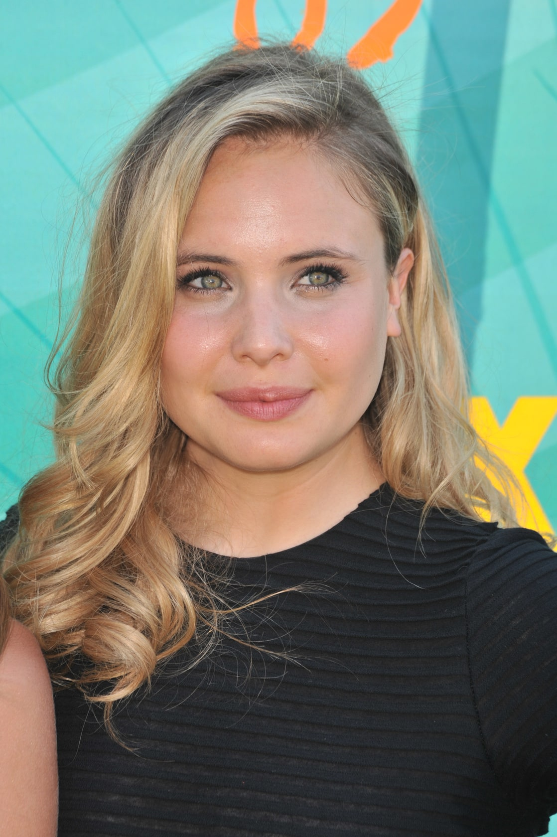 leah pipes - photo #7
