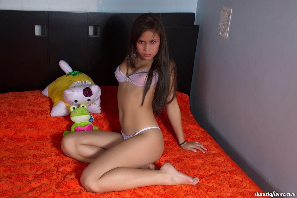 Teen Model Daniela Florez TTL