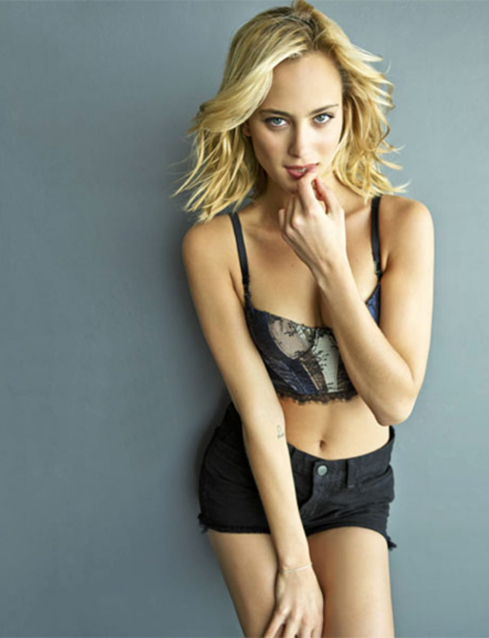 Hot Nora Arnezeder nude (75 photo), Ass, Fappening, Boobs, cleavage 2015