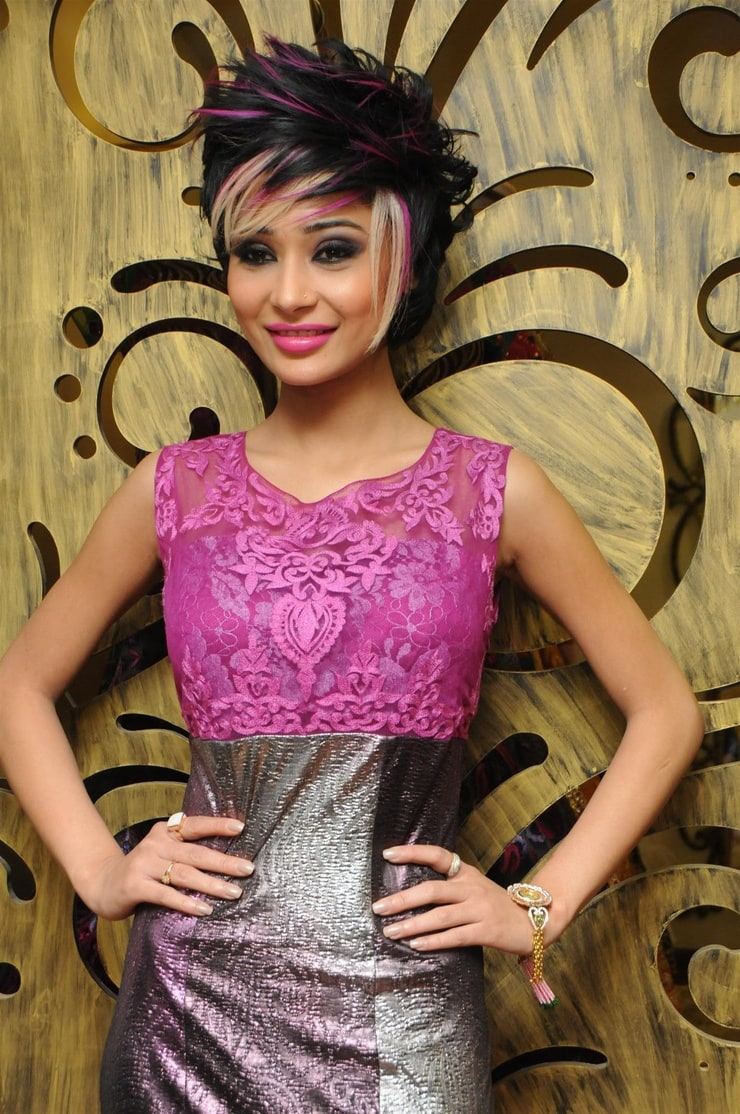 Picture of Sara Khan