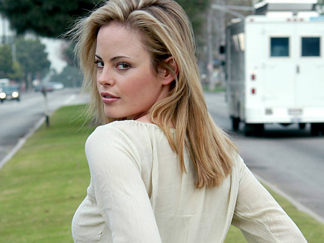 Chandra West Nude Photos 26