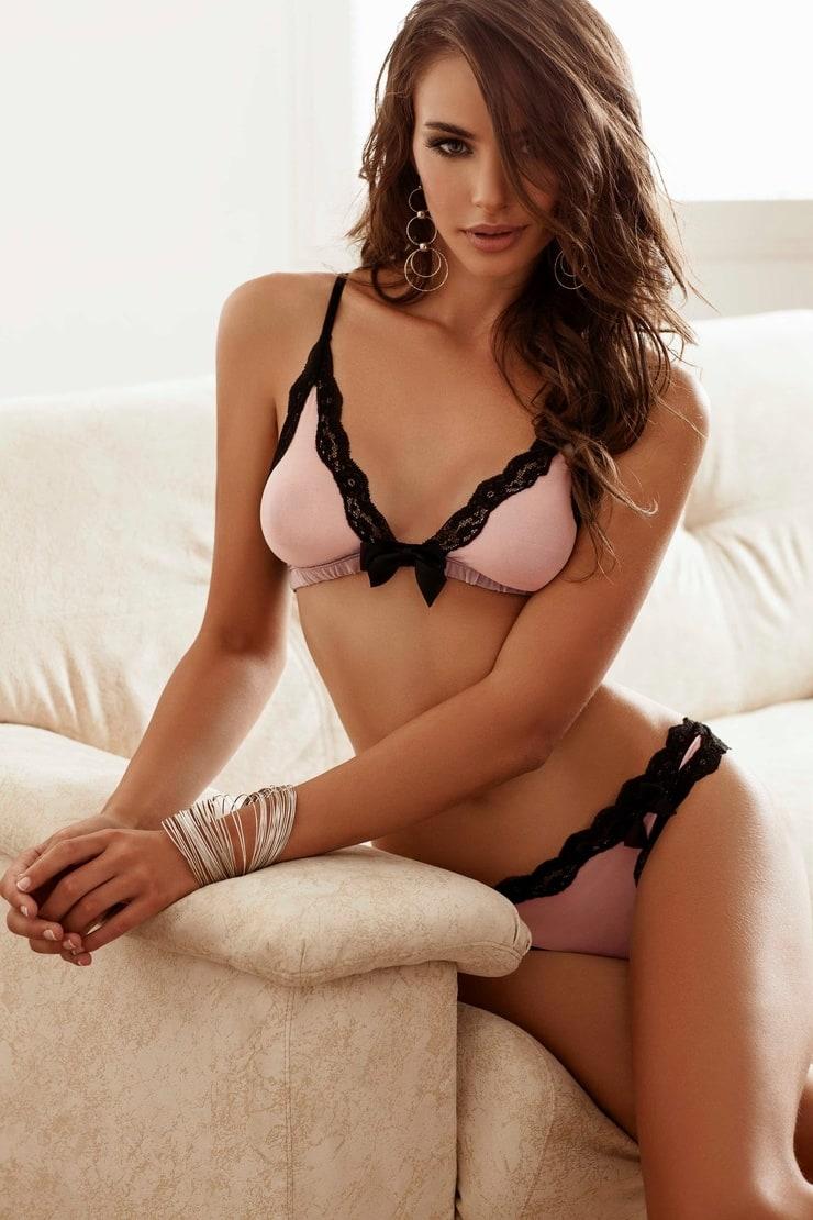 Nicole Meyer Nude Photos 49