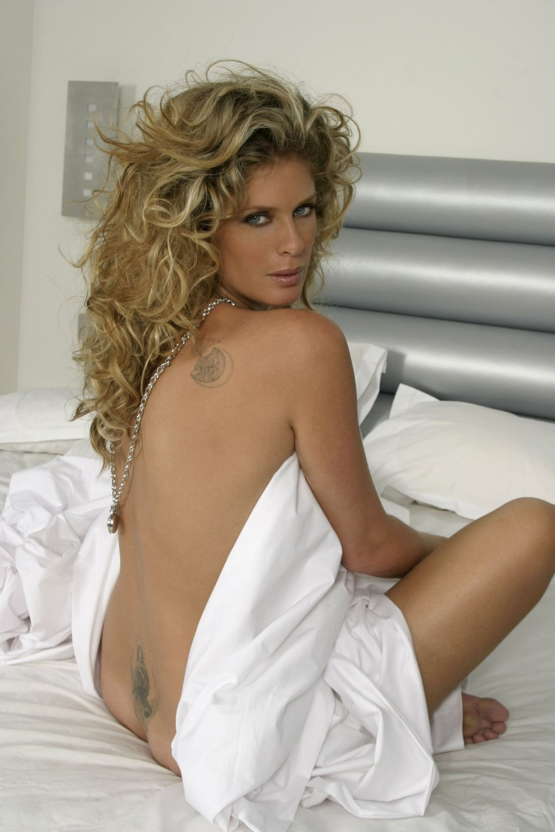 Rachel hunter hot naked pics 7