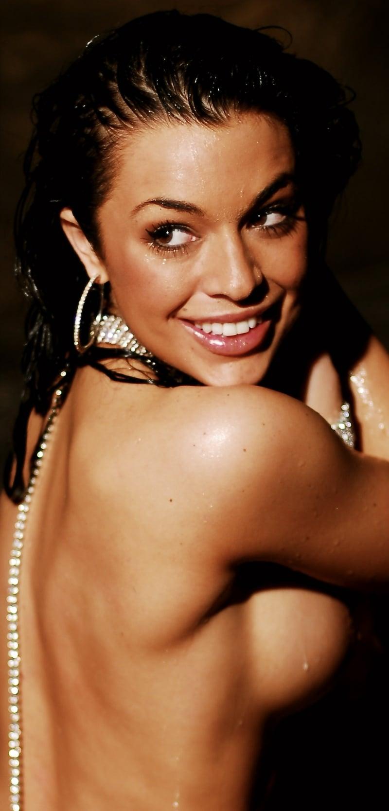 Kari Ann Peniche Nude Photos 26