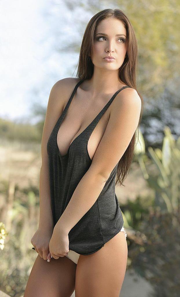 Ashlynn Coray Nude Photos 21