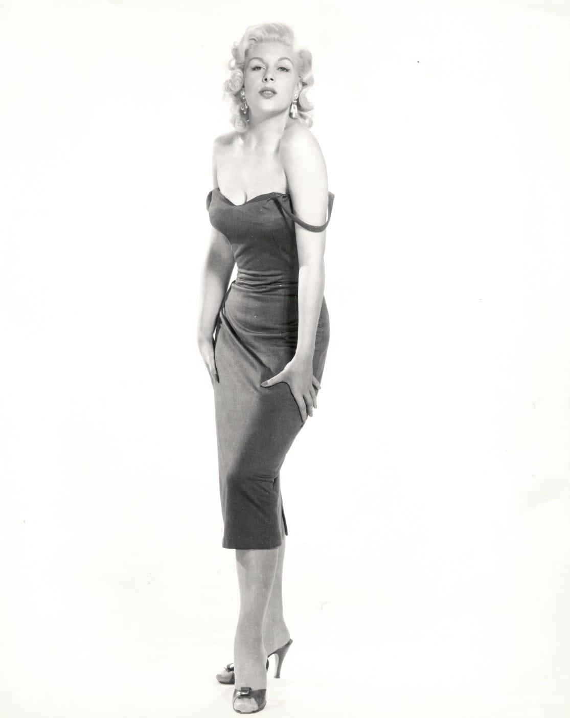 Trish Goff USA 3 1999?001,Maxi Mounds Porno pic Florence Henderson born February 14, 1934,Amy Locane