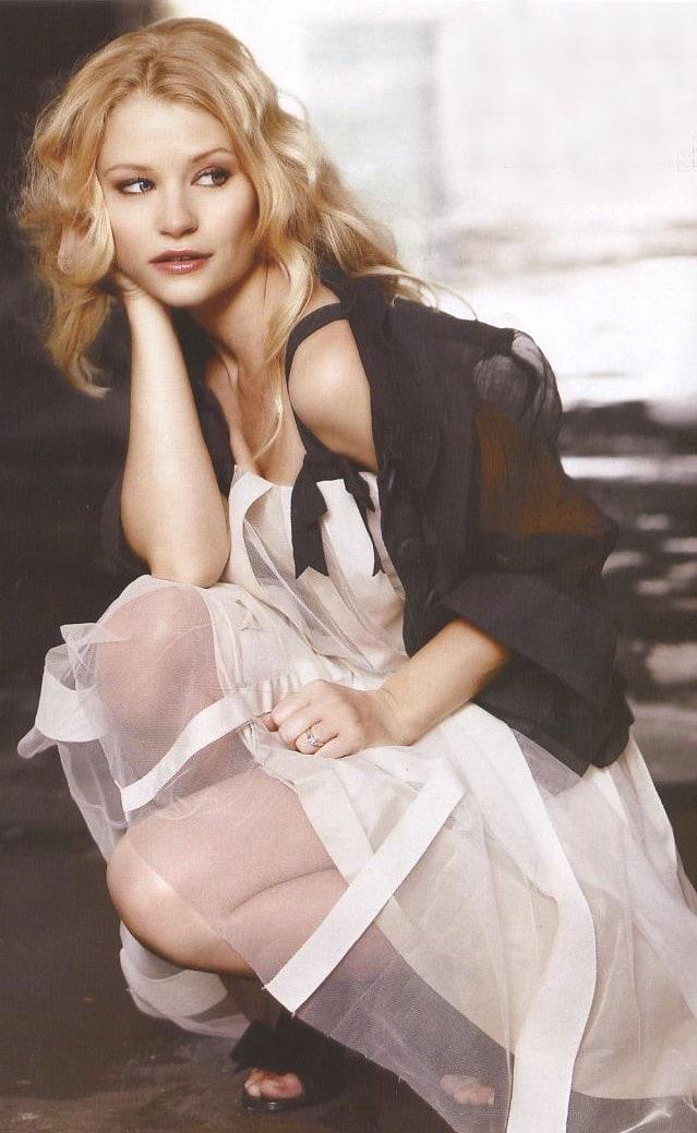 World Entertainment Point: Emilie De Ravin | Wallpapers