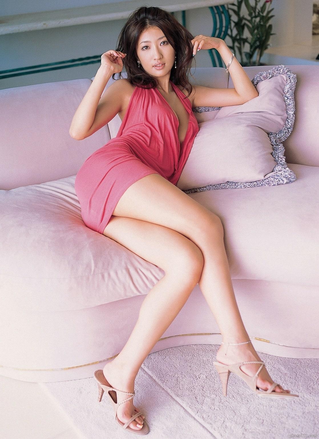 pics of erotic nude of sayaka akimoto