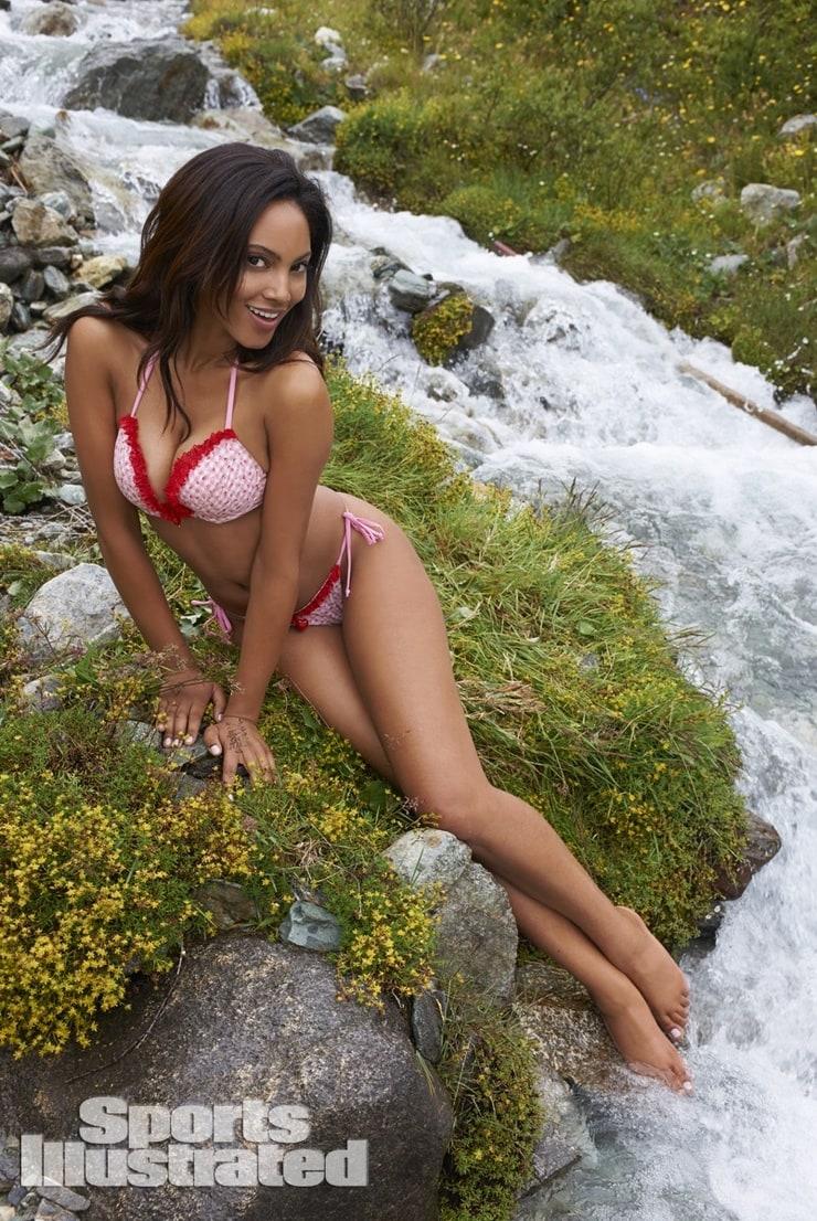 Ariel babe stocking naked comics