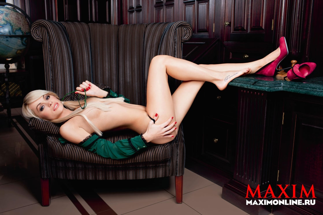 naked (63 photo), Boobs Celebrity foto