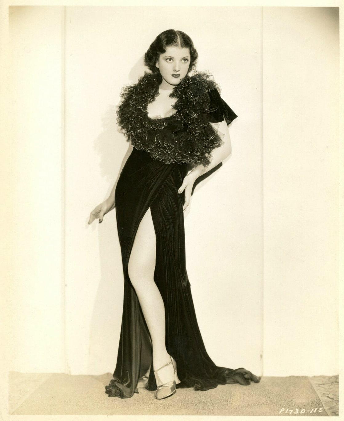 Cyndi Lauper,Brynn Rumfallo Sex pics & movies John Gregson (1919?975),Peggy Ann Garner
