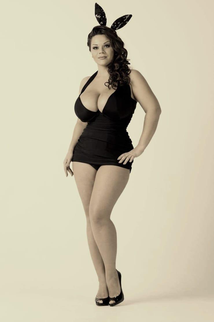 Фото голих грудей марії зиринг 25 фотография