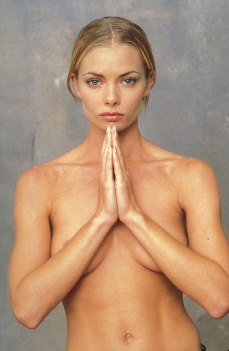nude true blonde pussy
