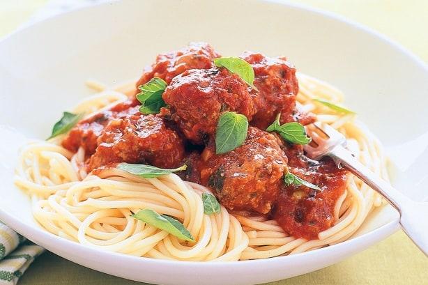 Тефтели с спагетти