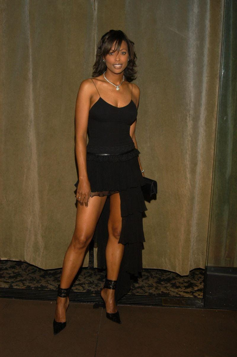 Aisha tyler glamour pictures young sexy model