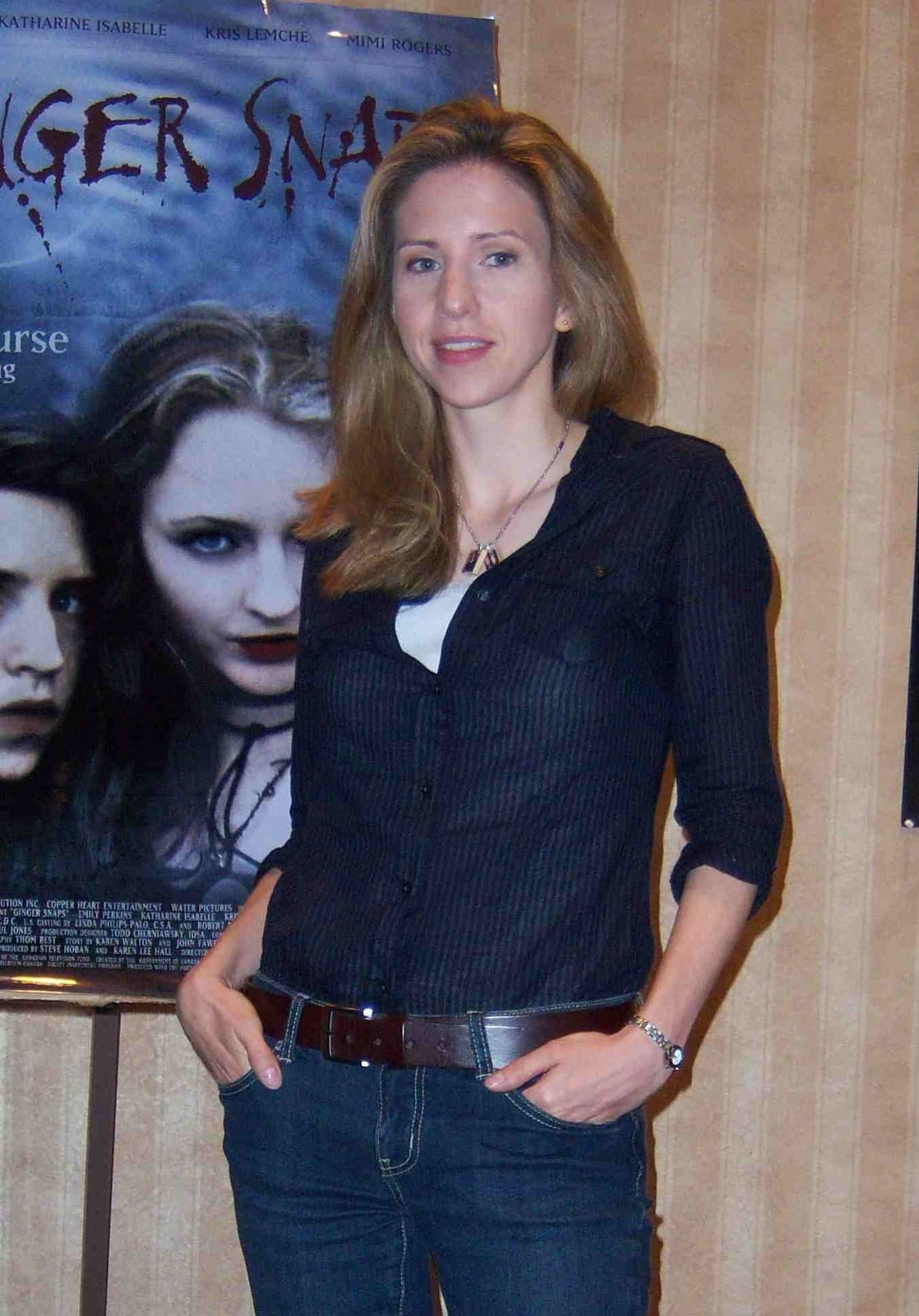 Emily Perkins Nude Photos 6