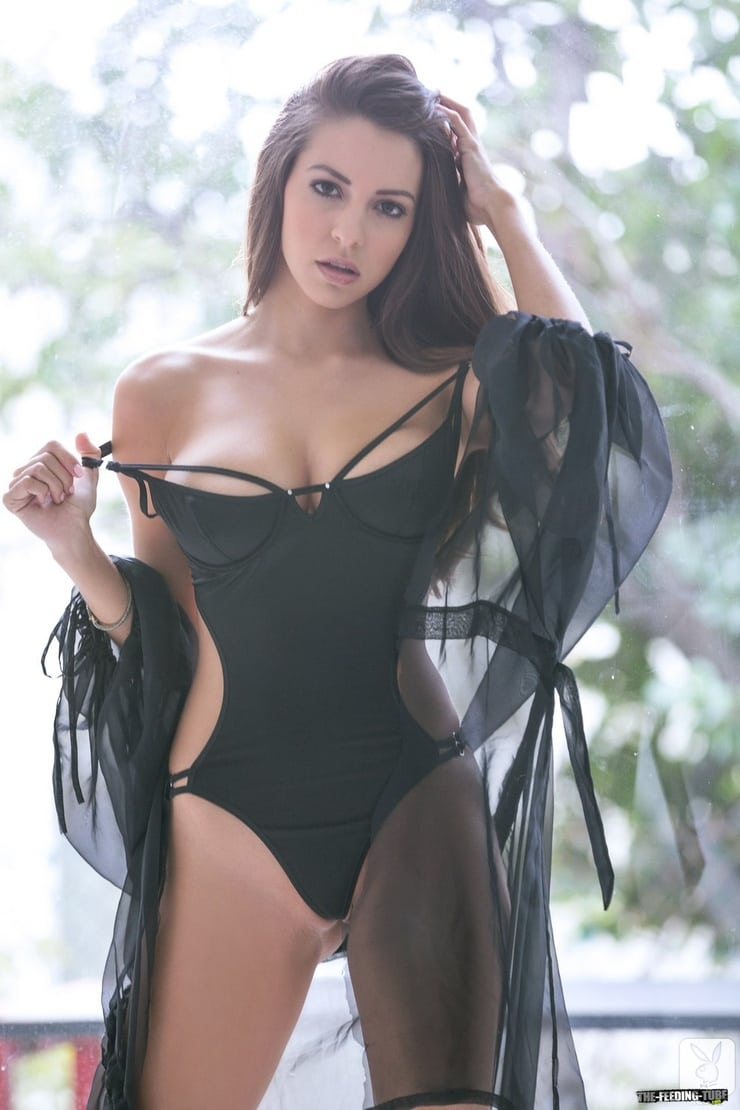 Brea Lynn poolside Bikini - Picture | eBaums World