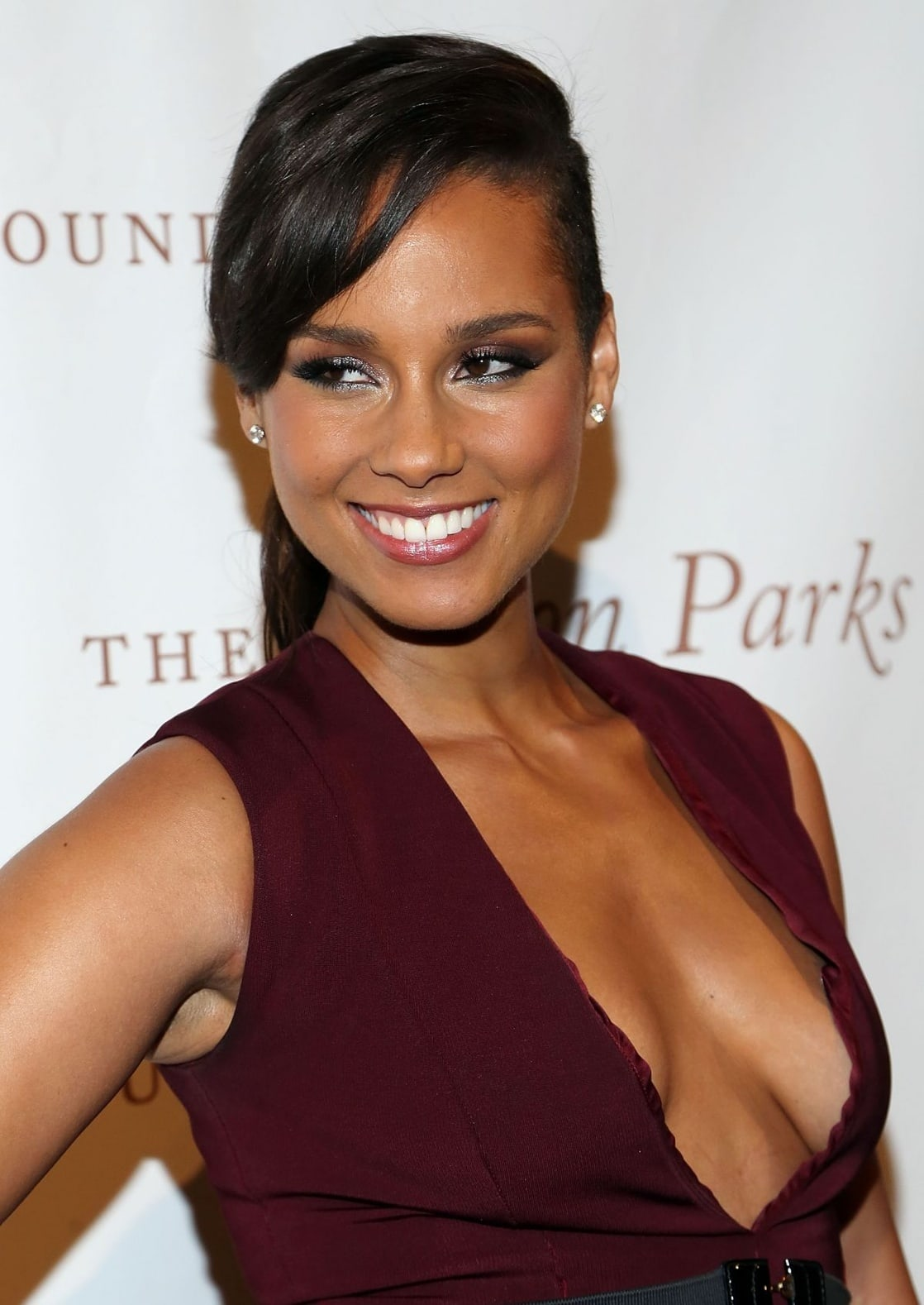 Cleavage Alicia Keys nude photos 2019