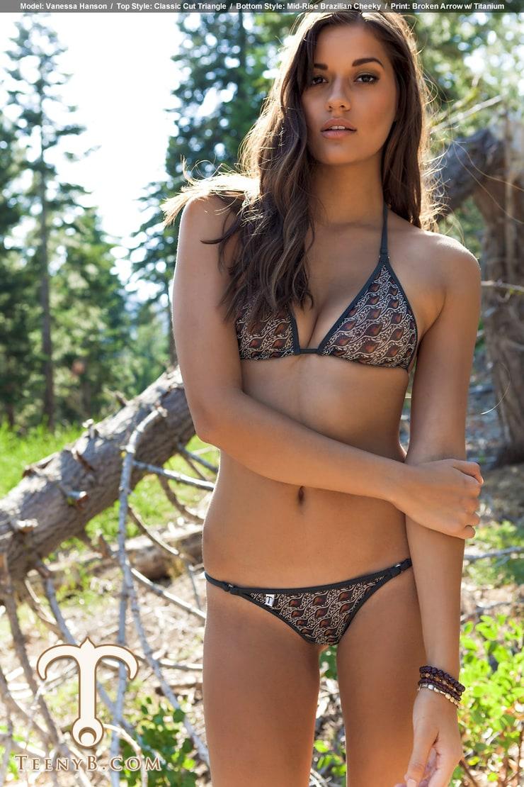 Vanessa Hanson Nude Photos 73