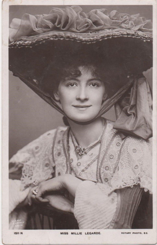 Фотография дамы 19 века 1 фотография