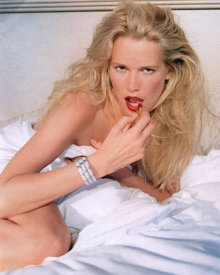 Claudia schiffer naked pictures