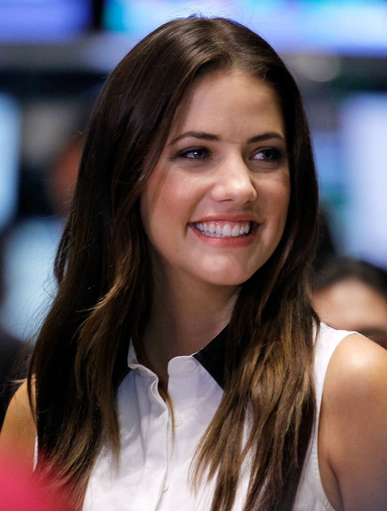 Picture Of Julie Gonzalo