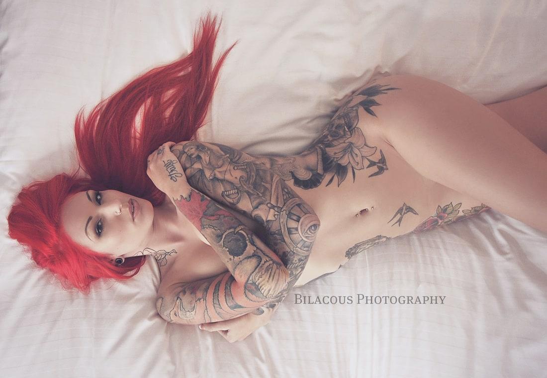 Musky beauty nude in a dark dressing rom hidden cam clip - 2 4