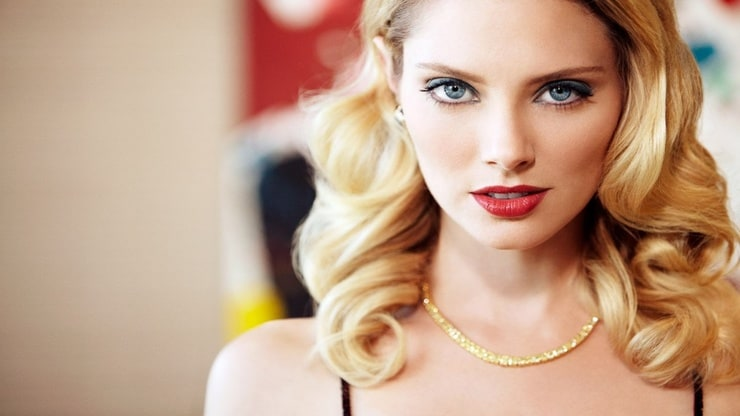 picture of april bowlby