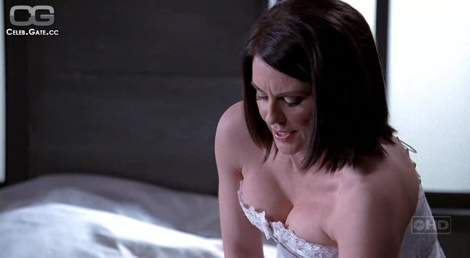 Megan Mullally Nude Photos 66