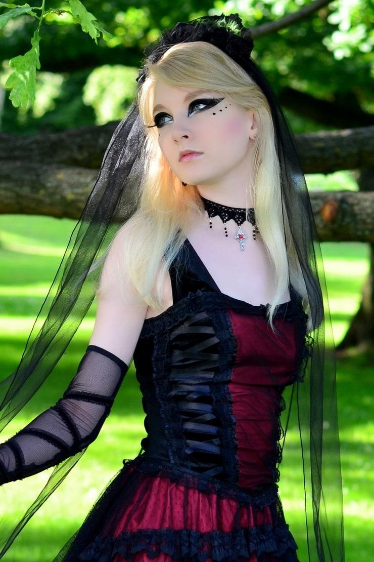 goth-girl-gallery-little-bikini-model-girls
