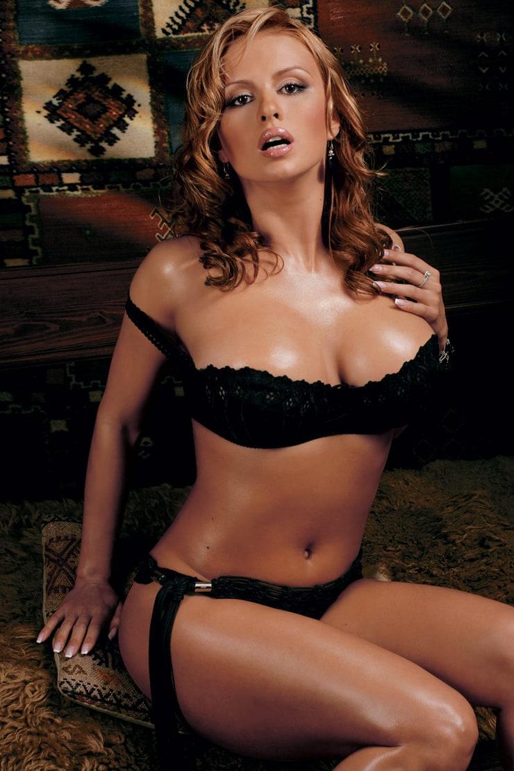Российские актрисы певицы голые 24 фотография