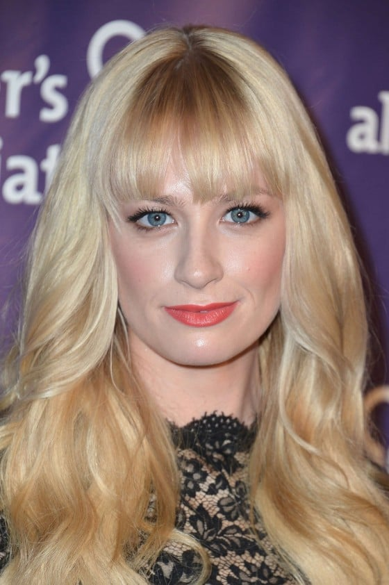 Nackte Beth Behrs