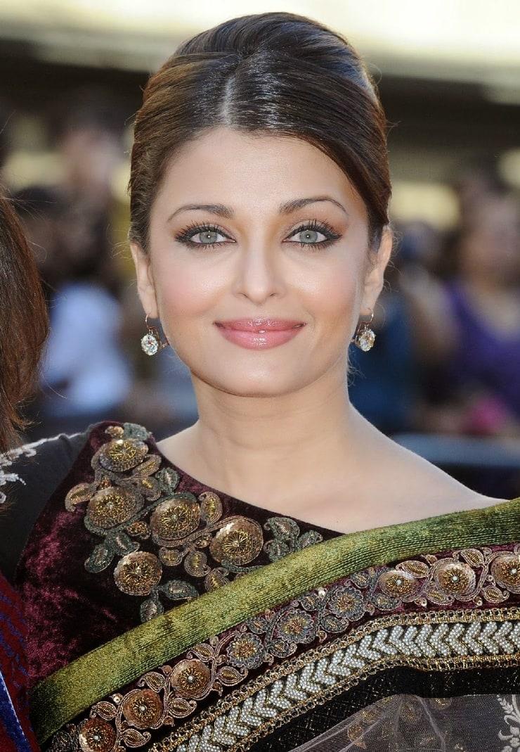 actress-hollywood-nangi-aishwarya-nodhi-latina-granny