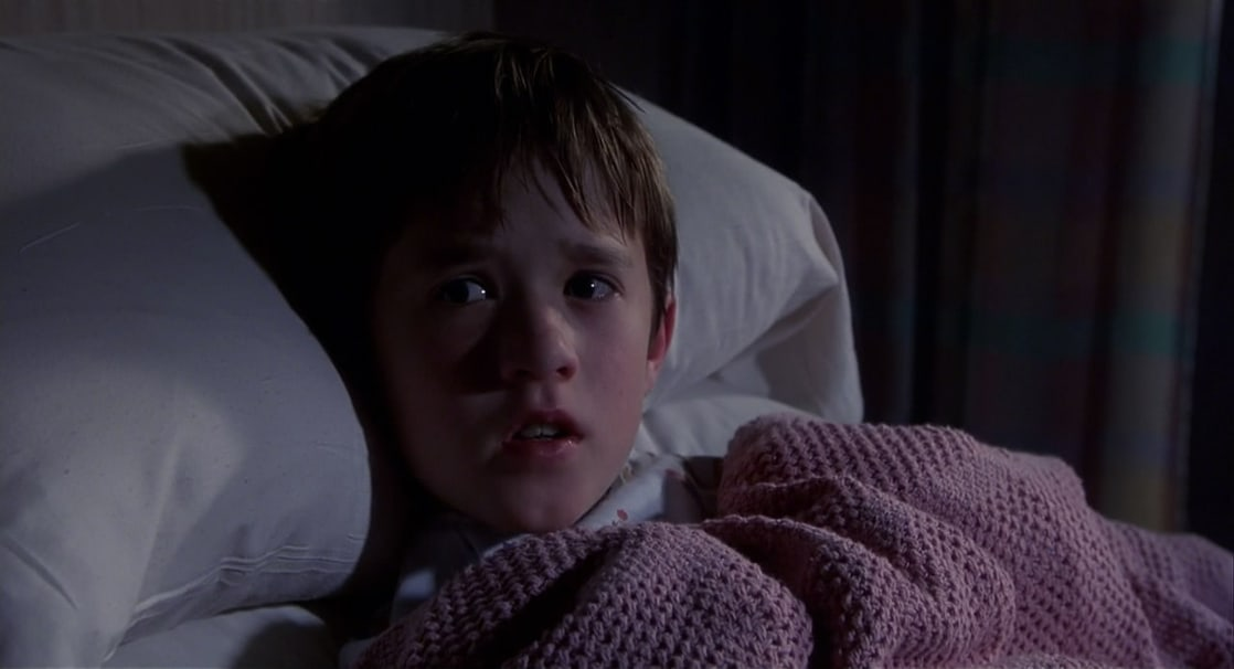 moview review about supernatural abilities to see dead people in the sixth sense