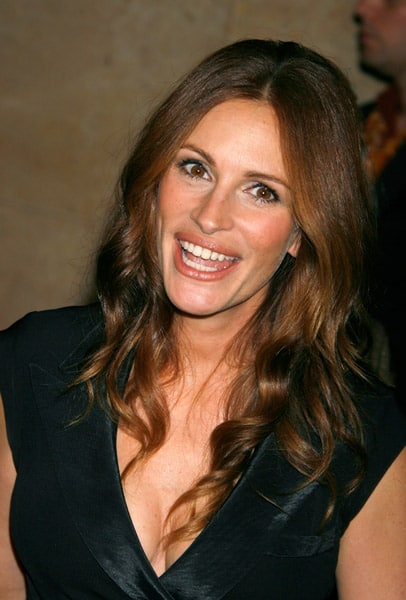 julia roberts gets strict with her Pretty woman star julia roberts walked the red carpet on friday to promote her first television series, amazon studios' homecoming, at the toronto international film festival.