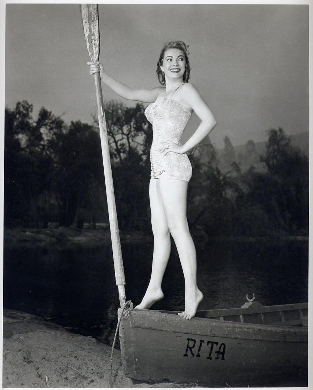 Carolyn Seymour,Henrietta Watson Erotic fotos Michelle Meyrink,Kessarin Ektawatkul