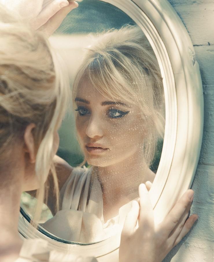 Karina Smulders movies images 12